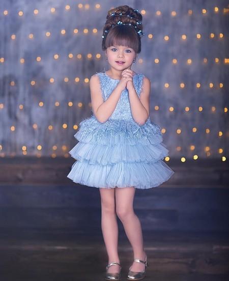 Шестилетнюю девочку назвали самой красивой в мире: фото