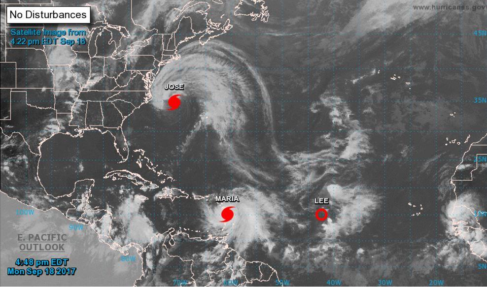 Ураган Мария усилился до чрезвычайно опасной четвертой категории