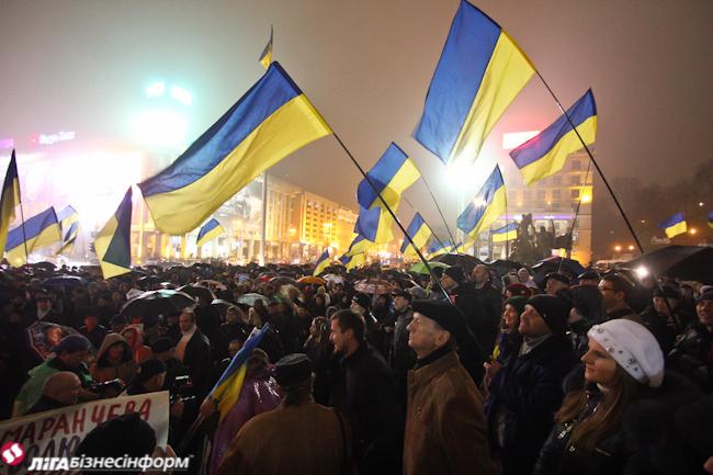 Евромайдан в Киеве, день второй: ночная хроника