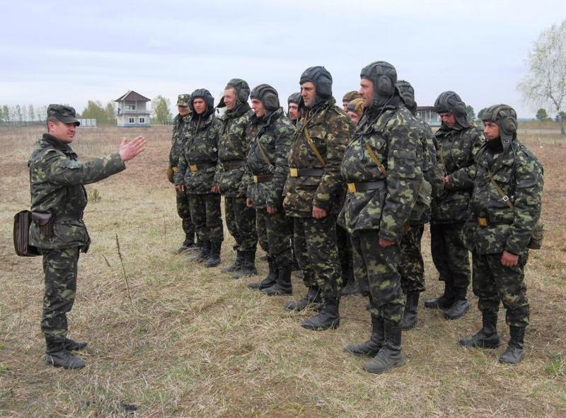 Армия на марше: авиация и бронетехника готовы дать отпор Москве