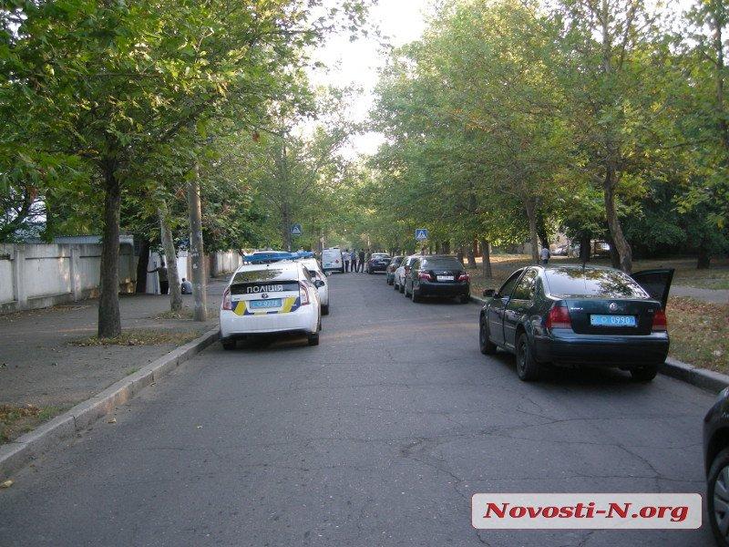 ВНиколаеве уголовник ранил патрульного иметнул гранату вполицейский автомобиль