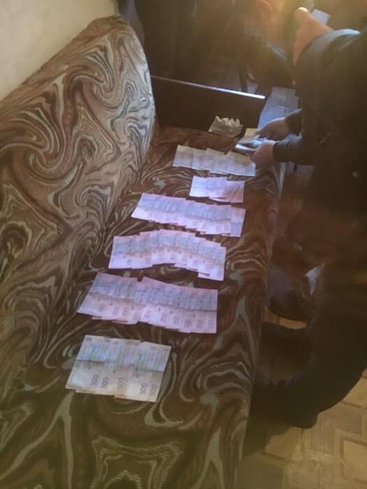 Начальники отдела полиции на Днепропетровщине погорели на взятке