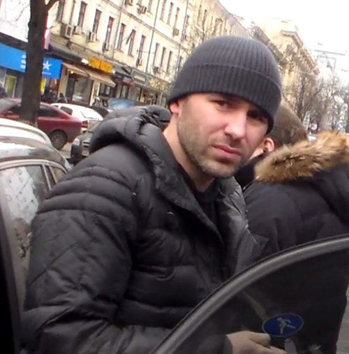 Провокатор на BMW наехал на демонстрантов в Киеве - Батькивщина