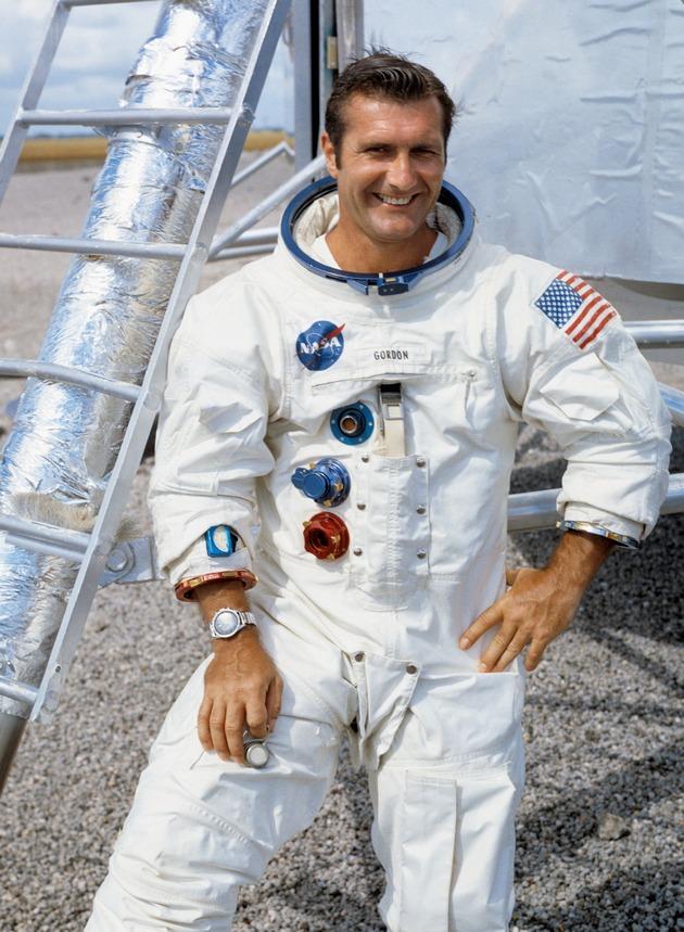Умер летавший к Луне космонавт NASA Дик Гордон