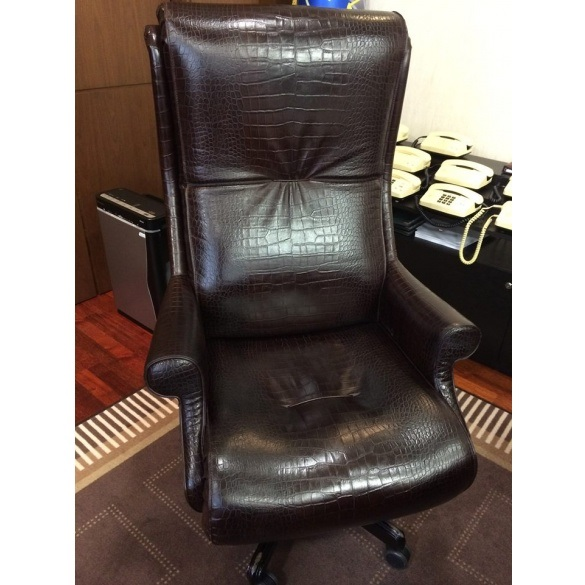 Офисное кресло Клименко стоило 70 тысяч евро: фото из Миндоходов